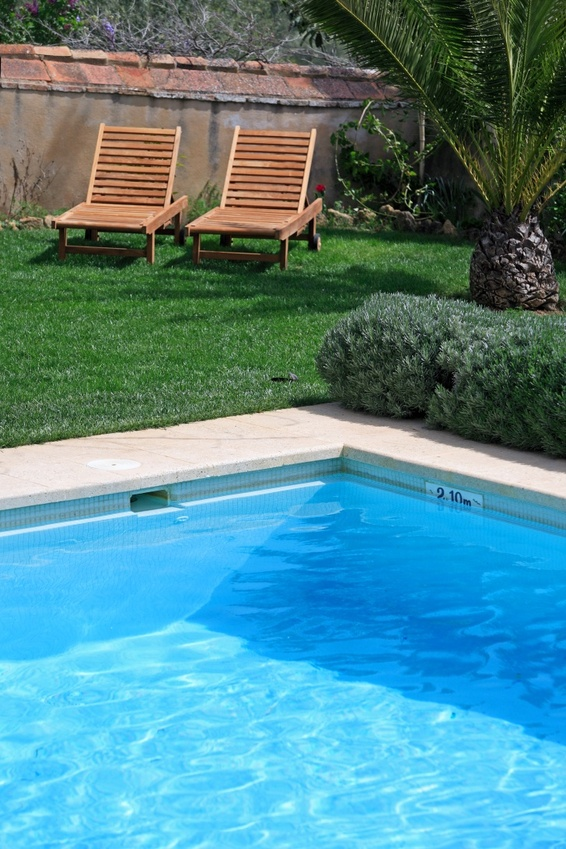 Pisciniste brignoles intervention compl te artisanat for Piscine de brignoles