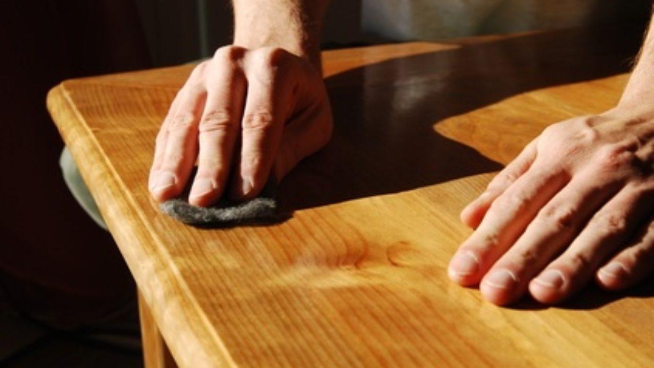 astuces pour poncer et vernir ses meubles en bois artisanat de france