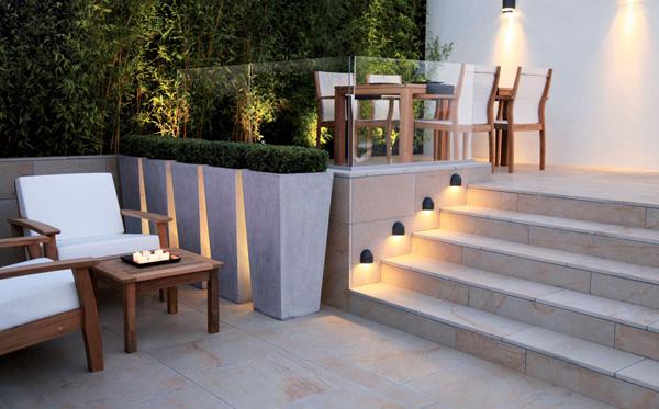 quel rev tement de sol pour une terrasse en provence artisanat de france. Black Bedroom Furniture Sets. Home Design Ideas