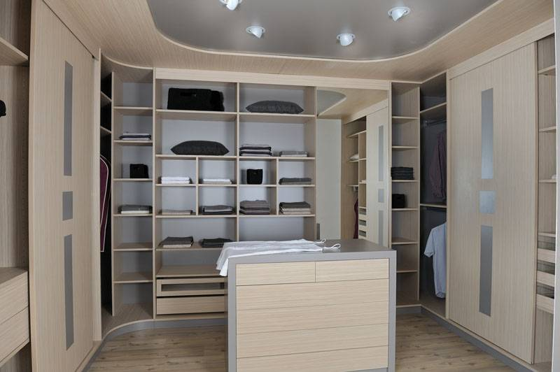 comment bien choisir son dressing. Black Bedroom Furniture Sets. Home Design Ideas