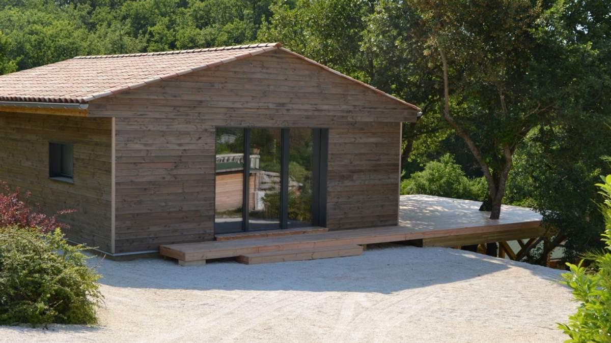 Construction de maisons ossature bois en luberon for Petite maison prefabriquee en bois